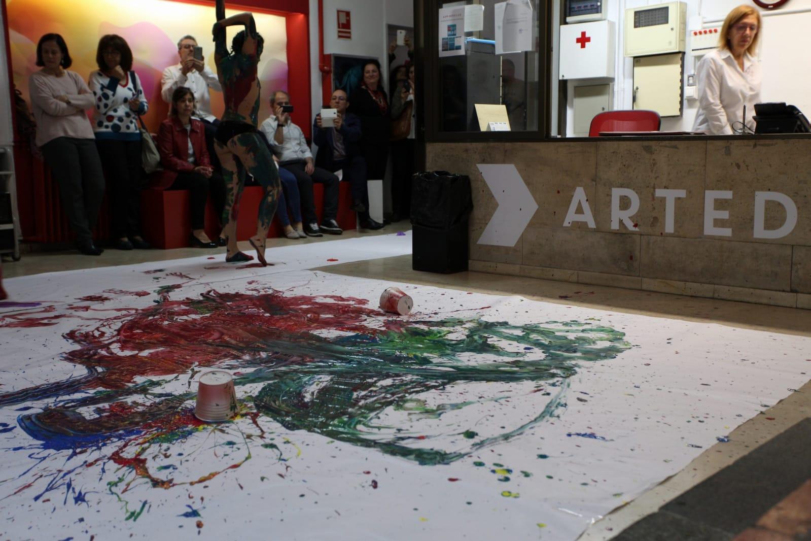 Inauguración de Art Skills 2018 en la escuela Art Diez - Actuación Santas Domingas